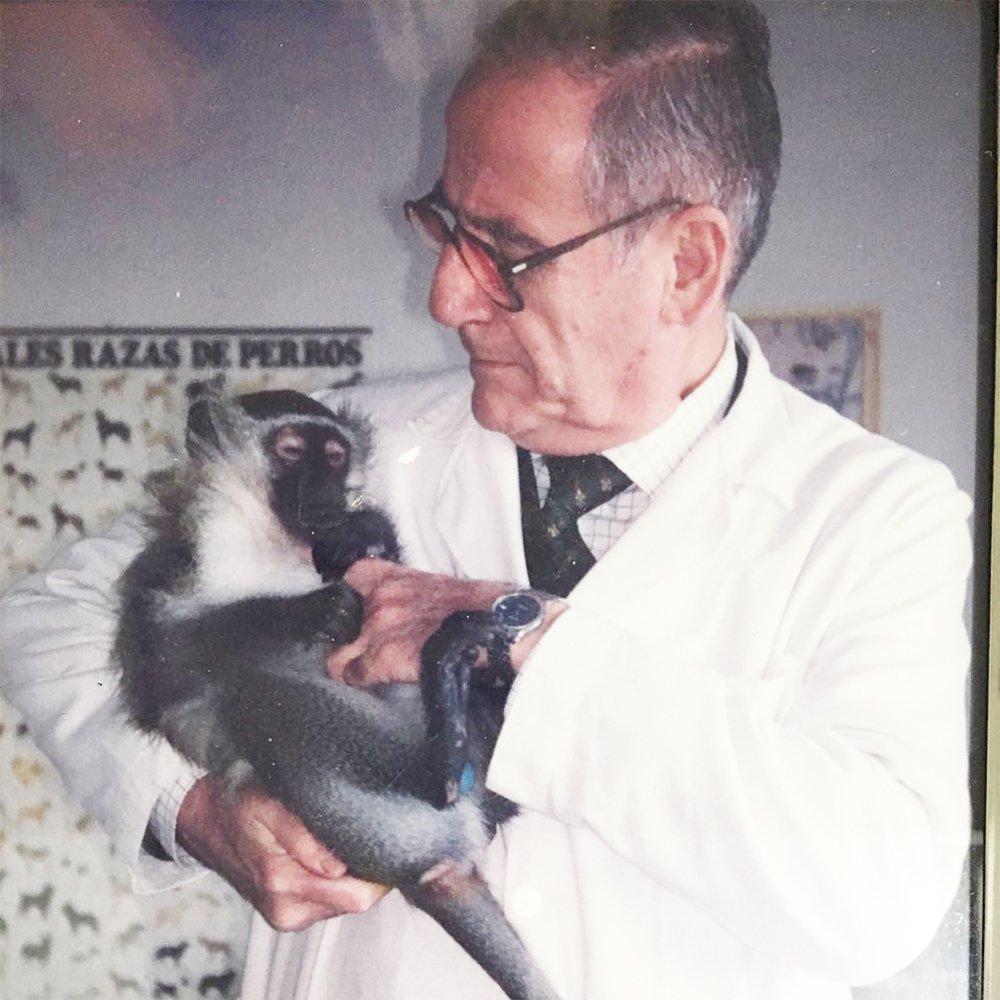 Juan Martín Santaolalla - Veterinario